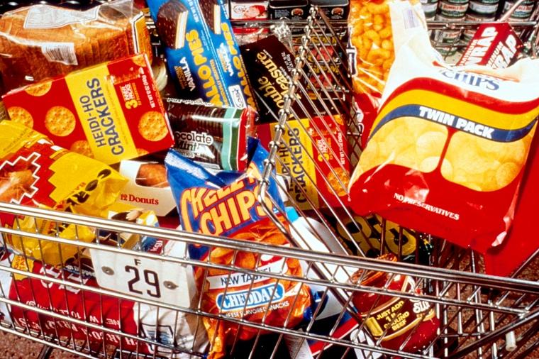 Unhealthy_snacks_in_cart.jpg