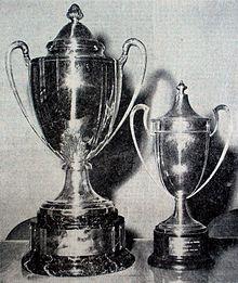 220px-Trophées_des_Coupes_d'Algérie_1963_et_1964